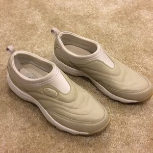 Propet Shock Absorber Walking Shoes Tan Size 8